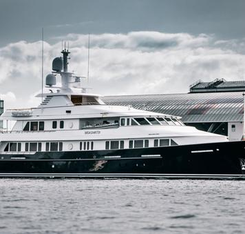 luxury yacht broadwater fresh from refit at huisfit