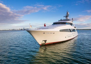 Usher yacht charter in Leeward Islands