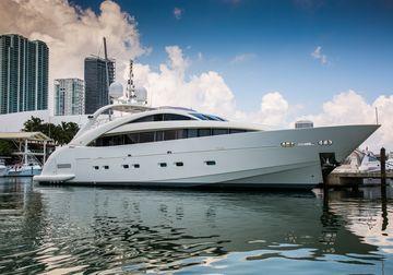 Happy Hour yacht charter in US Virgin Islands