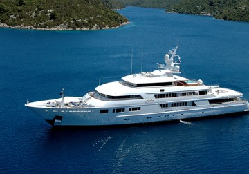 Nomad yacht charter in Genoa