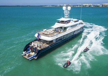 Ice 5 yacht charter in Martinique