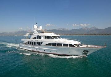 Elena Nueve yacht charter in Barcelona