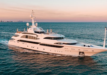 Lumiere yacht charter in British Columbia