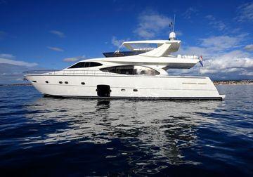 Tesoro yacht charter in France