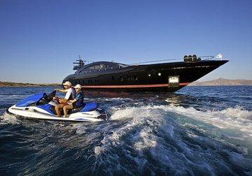 O'Pati yacht charter in Santorini