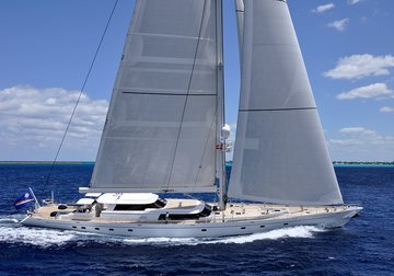 Hyperion yacht charter in Bahamas