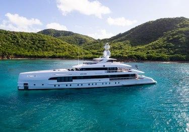 Gigagi charter yacht