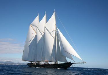 Mary Anne II charter yacht