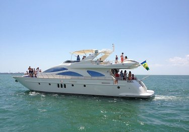 Circus charter yacht