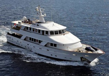 5 Fishes charter yacht