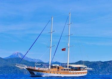 Baba Veli 8 charter yacht