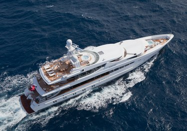 Friendship charter yacht