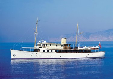 Fair Lady charter yacht