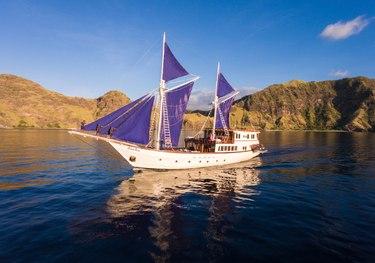 Ocean Pure charter yacht