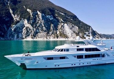 Alalya charter yacht