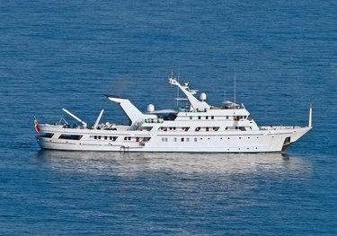 Esmeralda charter yacht