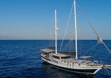 Grand Sailor charter yacht
