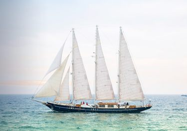 Malcolm Miller charter yacht