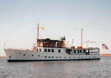 Fifer charter yacht