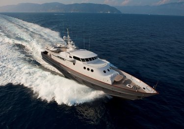 Paolucci charter yacht