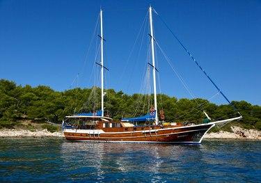 Sea Breeze charter yacht