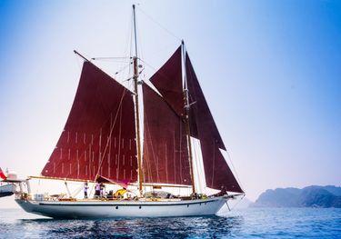 Dallinghoo charter yacht