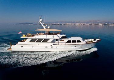 Auriane charter yacht