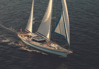 Free Wings charter yacht