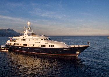 BLU 470 charter yacht