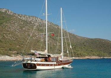 Avrasya charter yacht