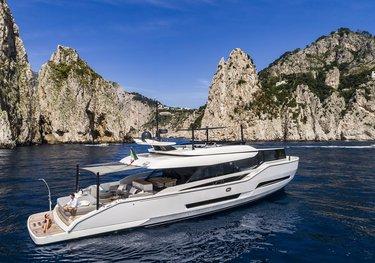 D&B charter yacht