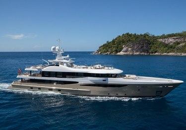 Lili charter yacht