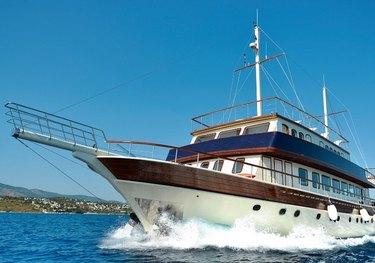 B&B 2 charter yacht