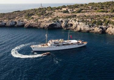 Shemara charter yacht
