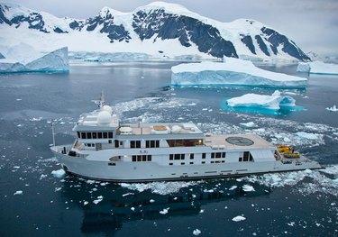 Evolution charter yacht