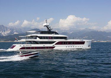 Quinta Essentia charter yacht
