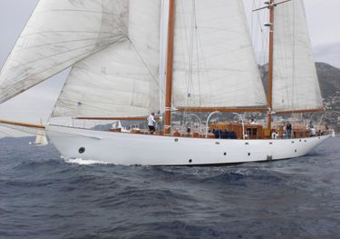 Aries charter yacht