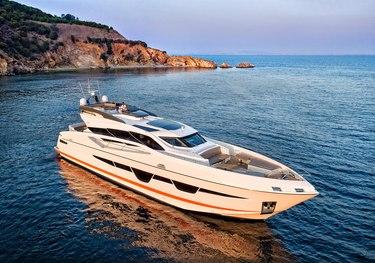 Ocean Alexander 32L/01 charter yacht