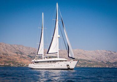 Aiaxaia charter yacht