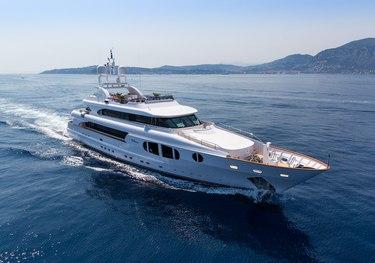 Bina charter yacht
