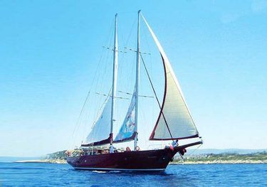 Orient Pearl charter yacht