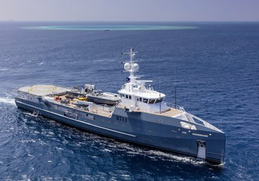 Dapple charter yacht