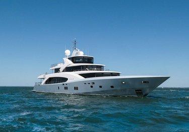 Belongers charter yacht