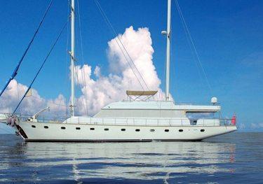 Caneren charter yacht