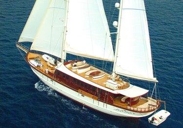 Riana charter yacht