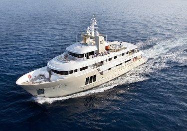 E & E charter yacht
