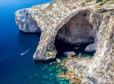 Escape to Malta with M/Y FIREFLY this summer