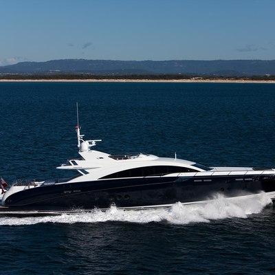 Quantum Yacht Running Shot - Profile