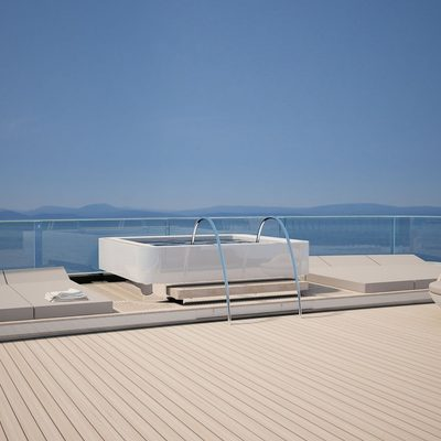 Nautilus Yacht Jacuzzi On The Aft Deck