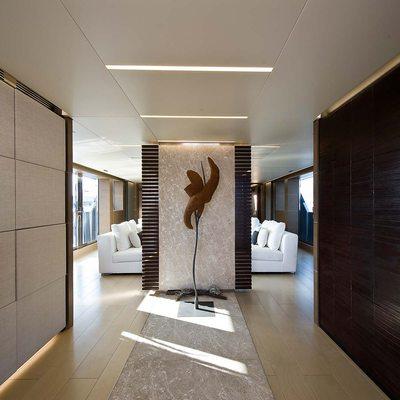 Bliss Easy Yacht Hallway